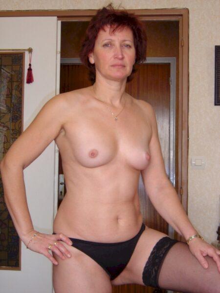 Femme cougar sexy soumise pour coquin sérieux souvent libre