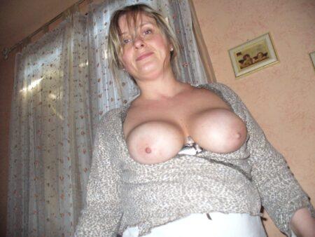 Jolie femme cougar recherche unevéritable rencontre sexy