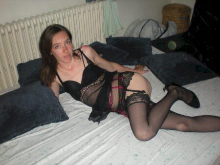 Passez une nuit torride avec une jeune femme coquine