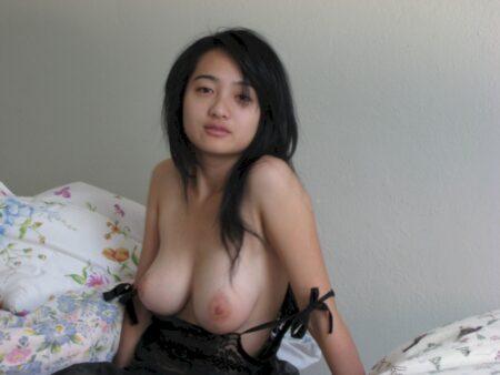 Pour jeune libertin coquin dispo qui cherche une femme asiatique