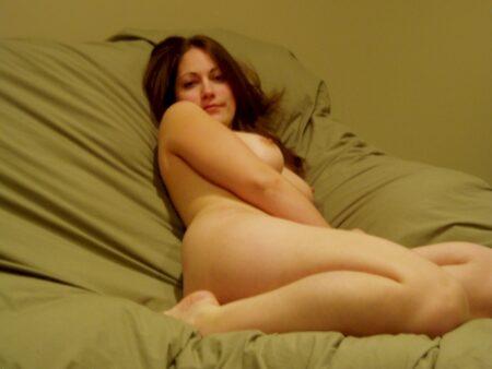 Une jeune femme coquine de Poissy pour de la rencontre hot